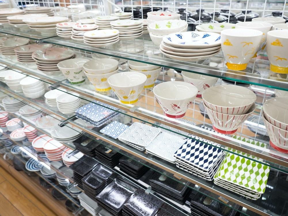 食器売り場の画像