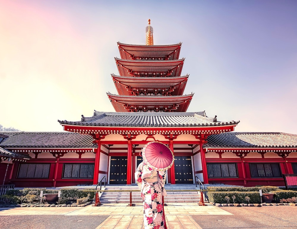 Image of a woman at Senso-ji Temple
